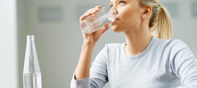 Защо трябва да пием повече вода, когато ходим на Боуен терапия?